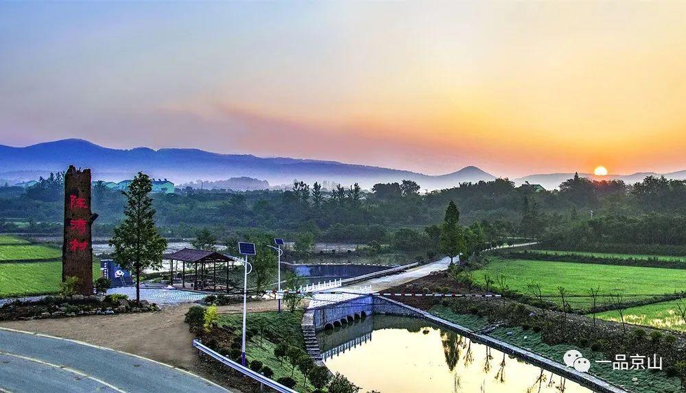 不敢相信,这是京山的农村吗?每个村子都美的动人心魄